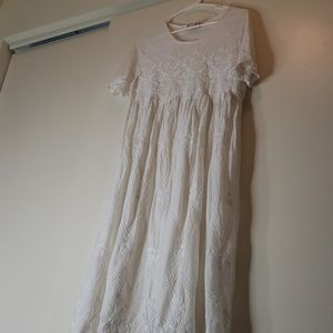 Beautiful white bohemian floral embroidery dress.